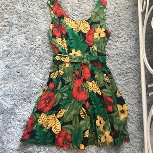 Vintage tropical printed romper